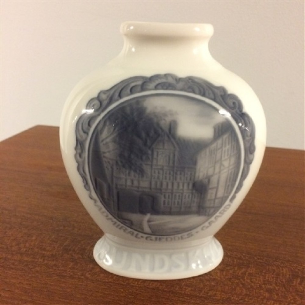 Kongelig Porcelæn Rundskue Vase-36