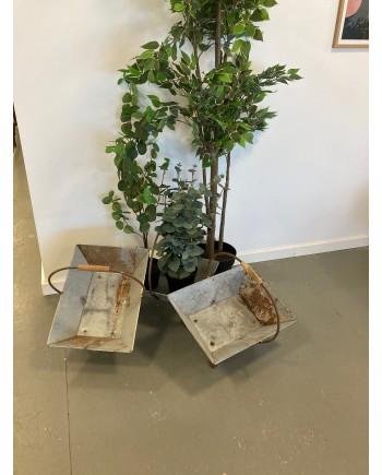Plante Kurv i Zink på Stativ af Jern